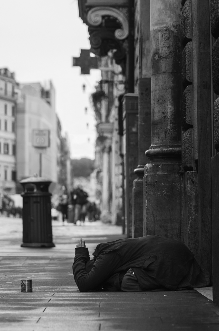 Roma, povertà e misera - Michele Settembre