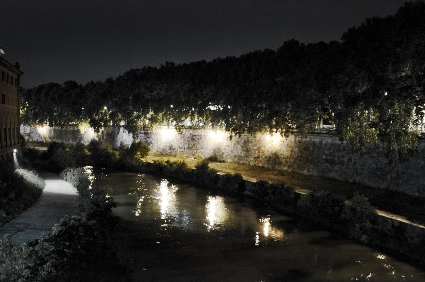 Fotografia in Roma - Roma di notte - Risalendo il Tevere - Michele Settembre