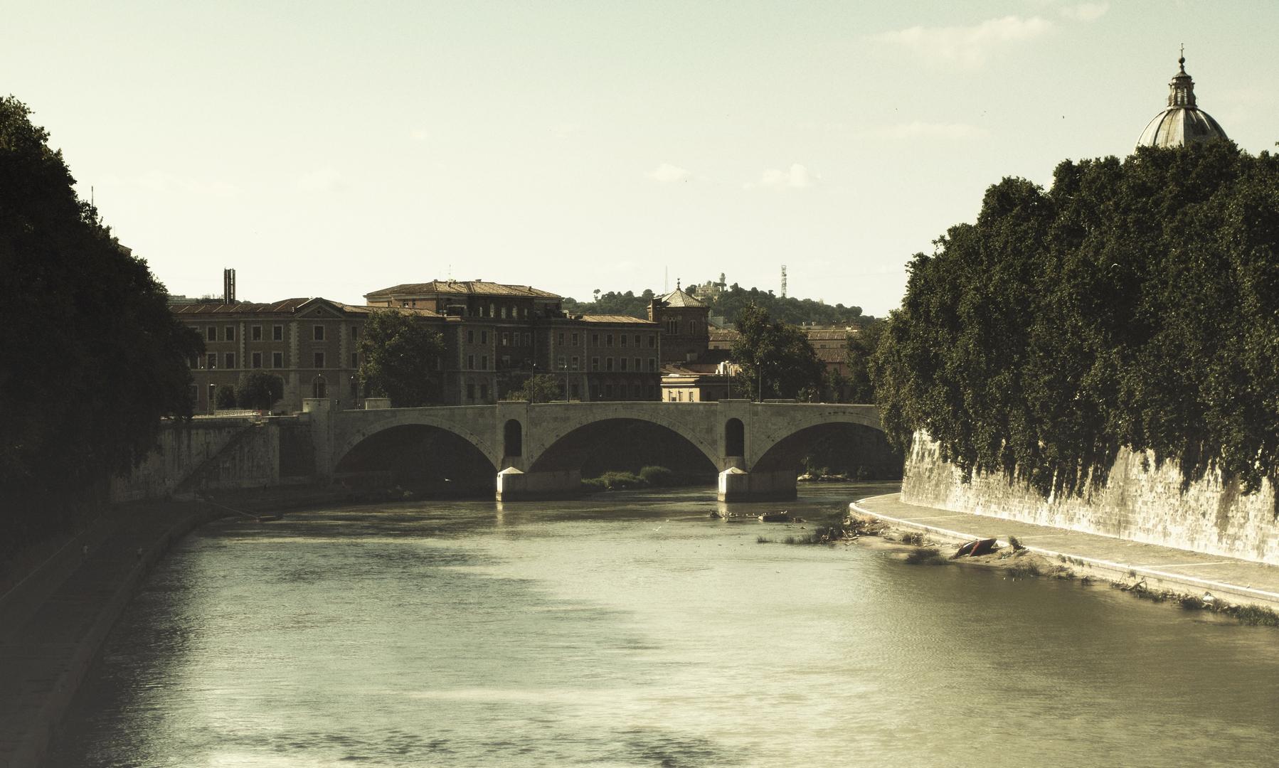 Fotografia in Roma - Il Lungotevere in una nuova estate - Michele Settembre