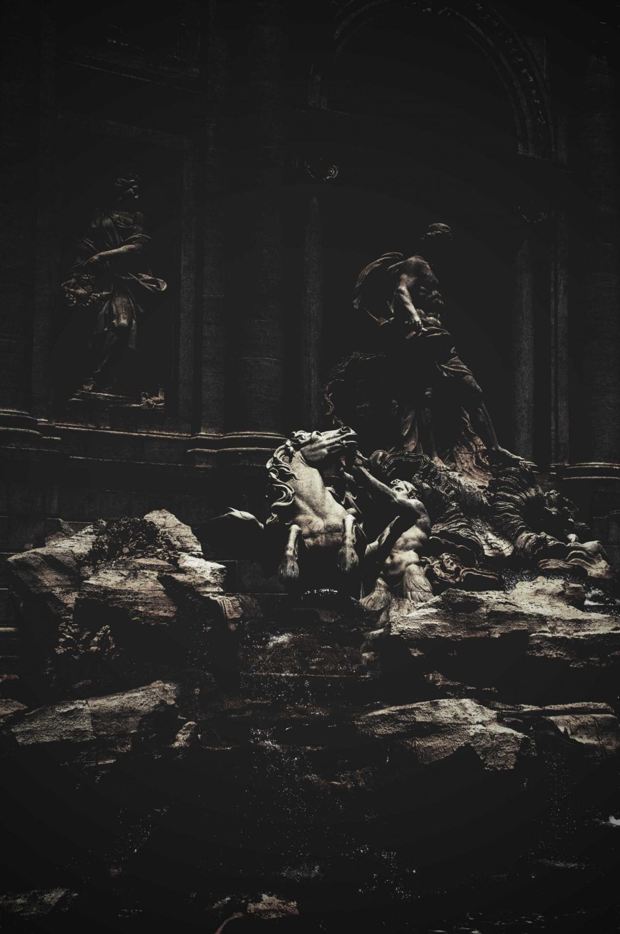Michele Settembre - Fotografia in Roma - Ombre - Fontana di Trevi